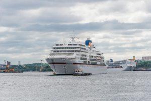 MS Europa im Hafen von Stockholm