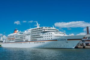 MS Europa im Hafen von Helsinki