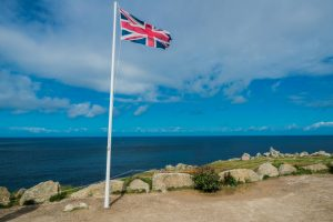Flagge bei Lands End in Cornwall