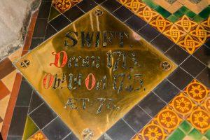 Grab von Jonathan Swift in Dublin in der Patricks Kathedrale