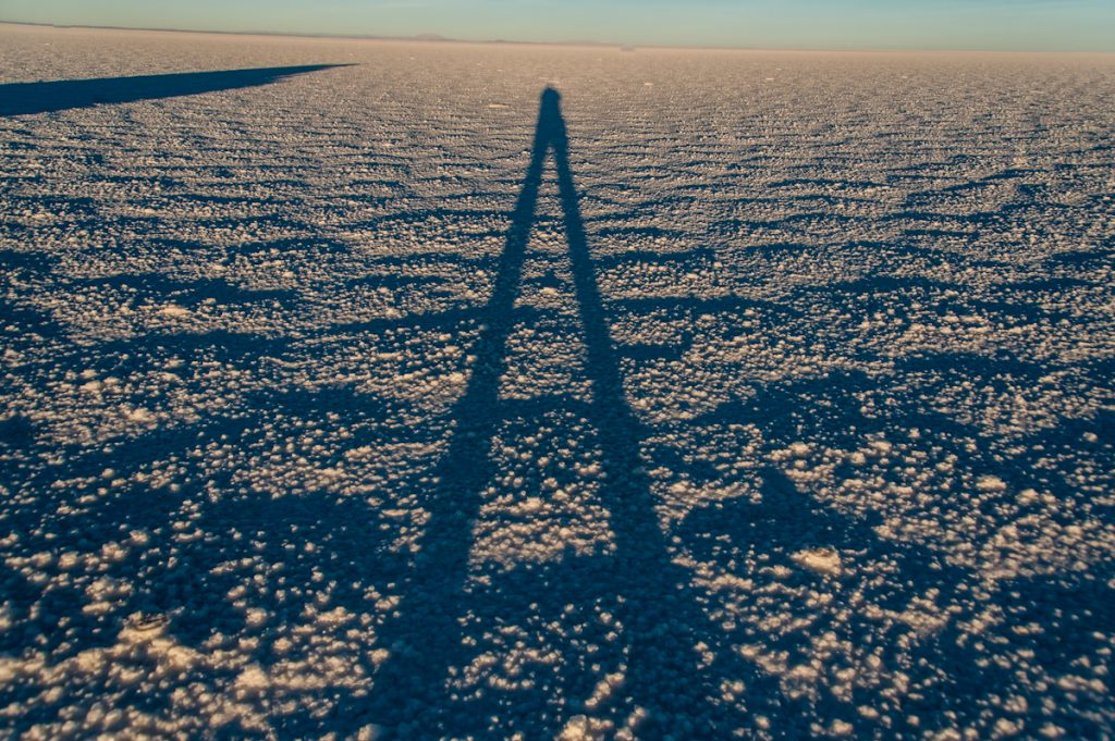 Schatten auf dem Salar de Uyuni