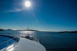 Auf dem Vordeck von MS Ocean Majesty