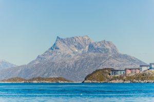 Bucht von Nuuk mit dem Hausberg
