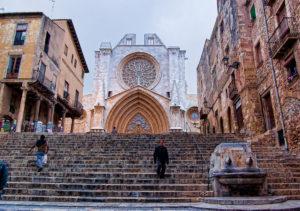 Treppe und Kathedrale in Tarragona
