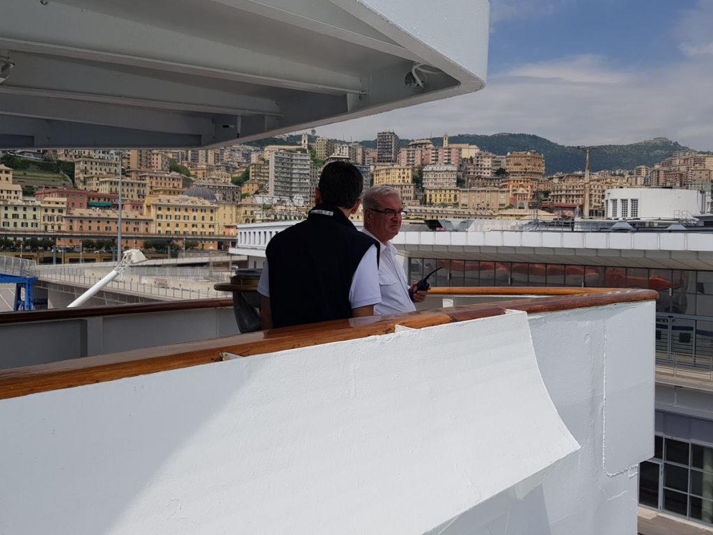 Kapitän Ioannis Papangelis auf der Brücke
