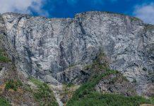 Steilwand im Sognefjord