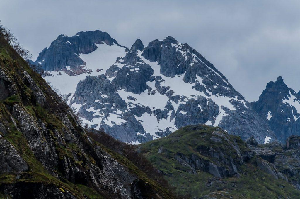 Die Berge im Trollfjord sind fast 1000 m hoch