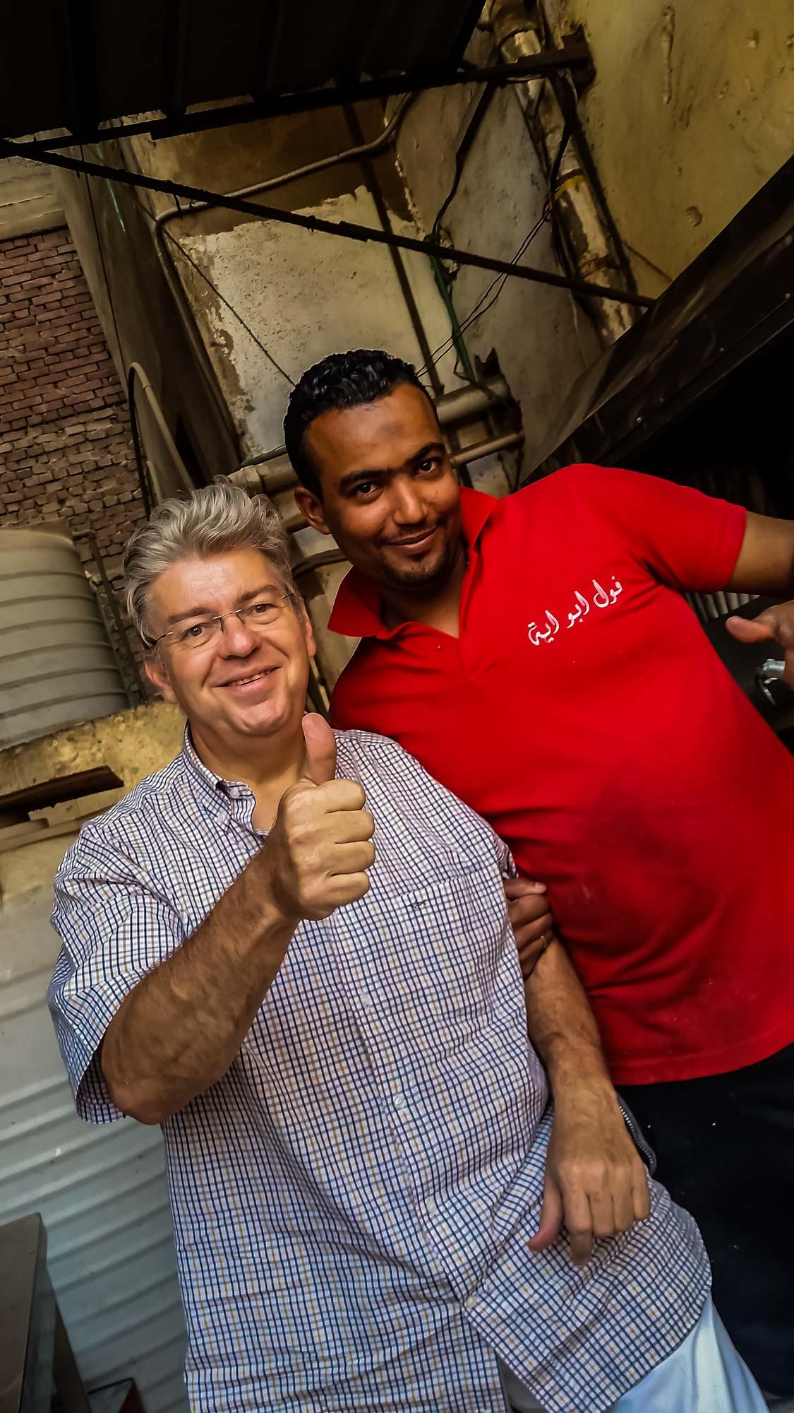 Peter Jurgilewitsch in einer Falavelküche in Hurghada/Ägypten