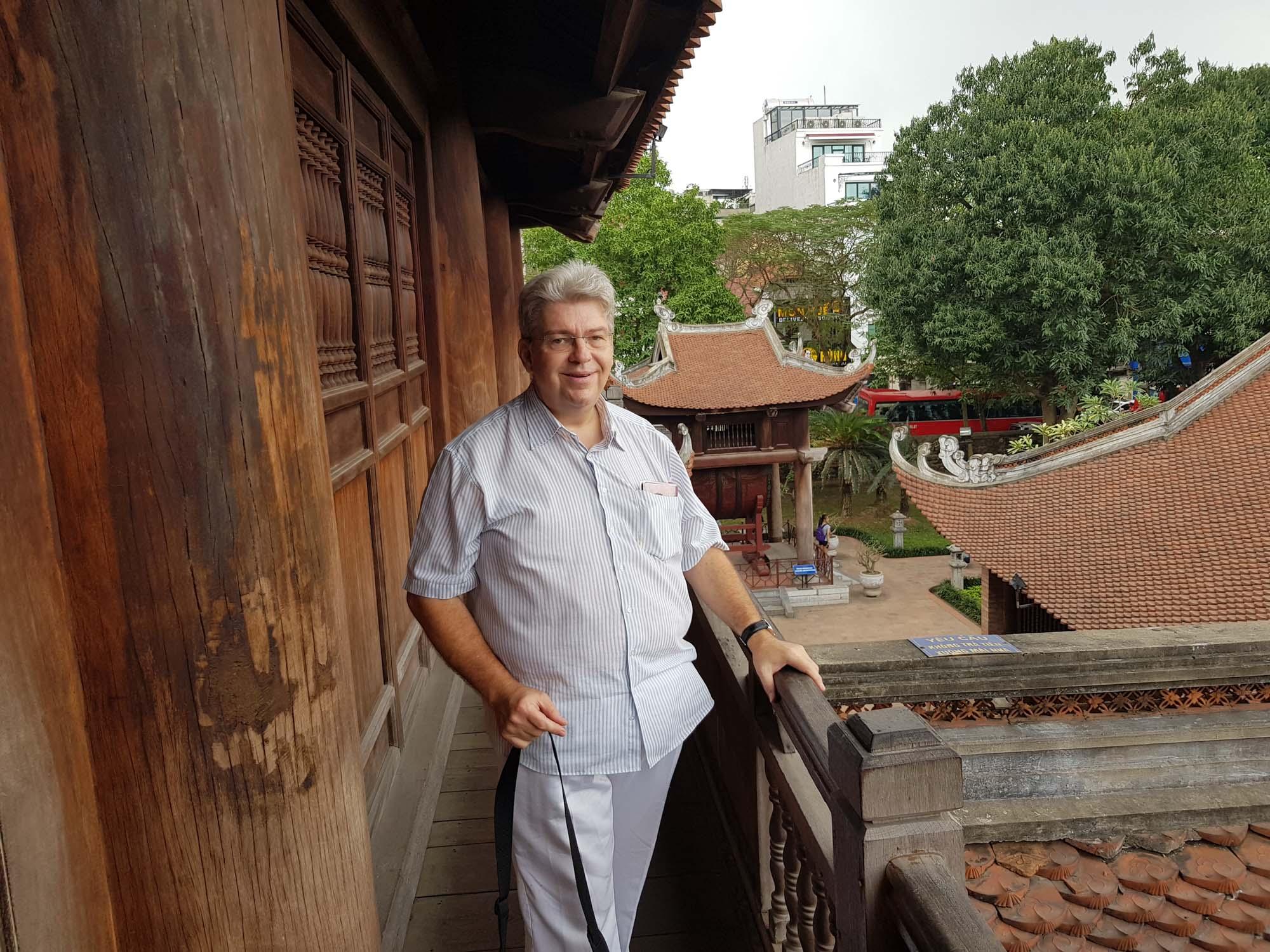 Peter Jurgilewitsch im Literaturtempel in Hanoi/Vietnam