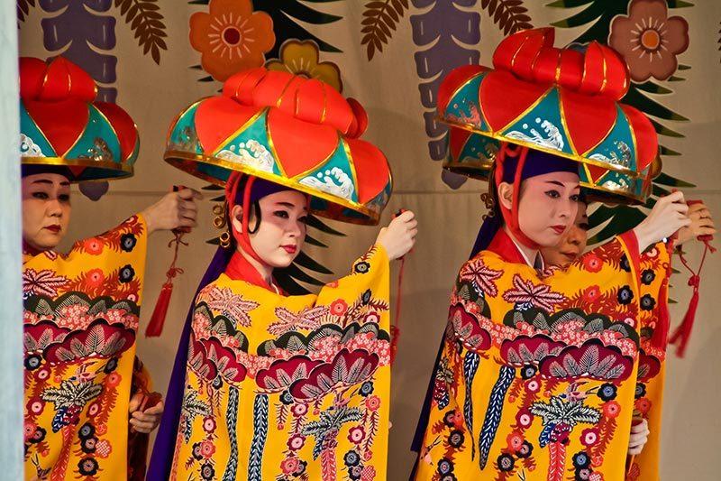 Tänzer auf Okinawa, Japan