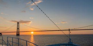 MS Ocean Majesty vor der Öresundbrücke