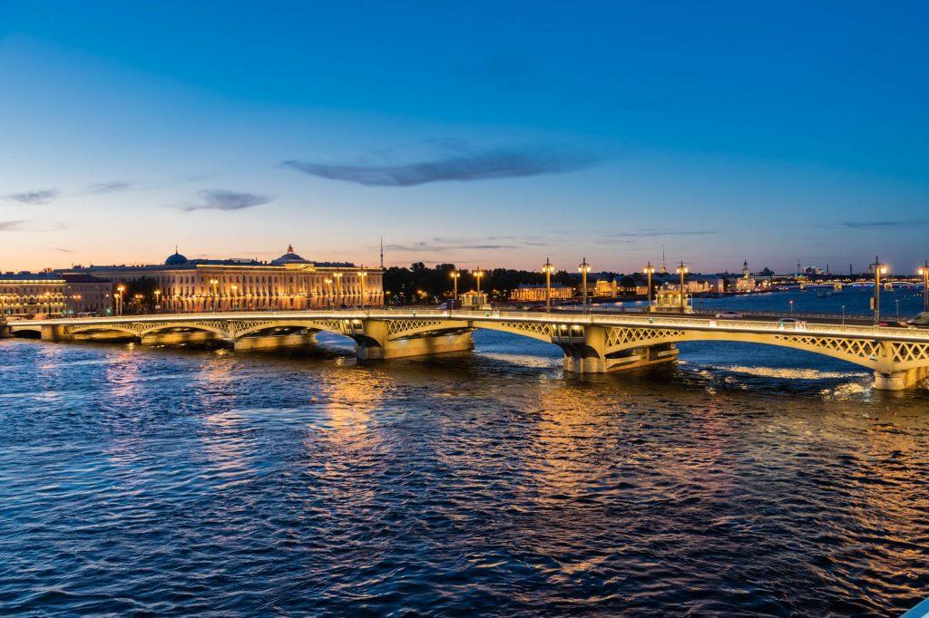 Weisse Nächste in St. Petersburg