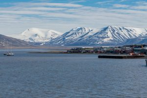 Hauptstadt Longyearbyen auf Spitzbergen