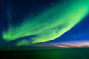 Scheier der Aurea Borealis vor Island