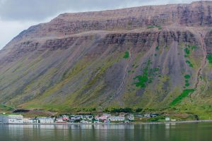 Isafjördur in den Westfjorden auf Island