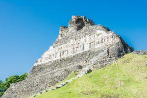 Reliefs an El Castillo in Xunantunich