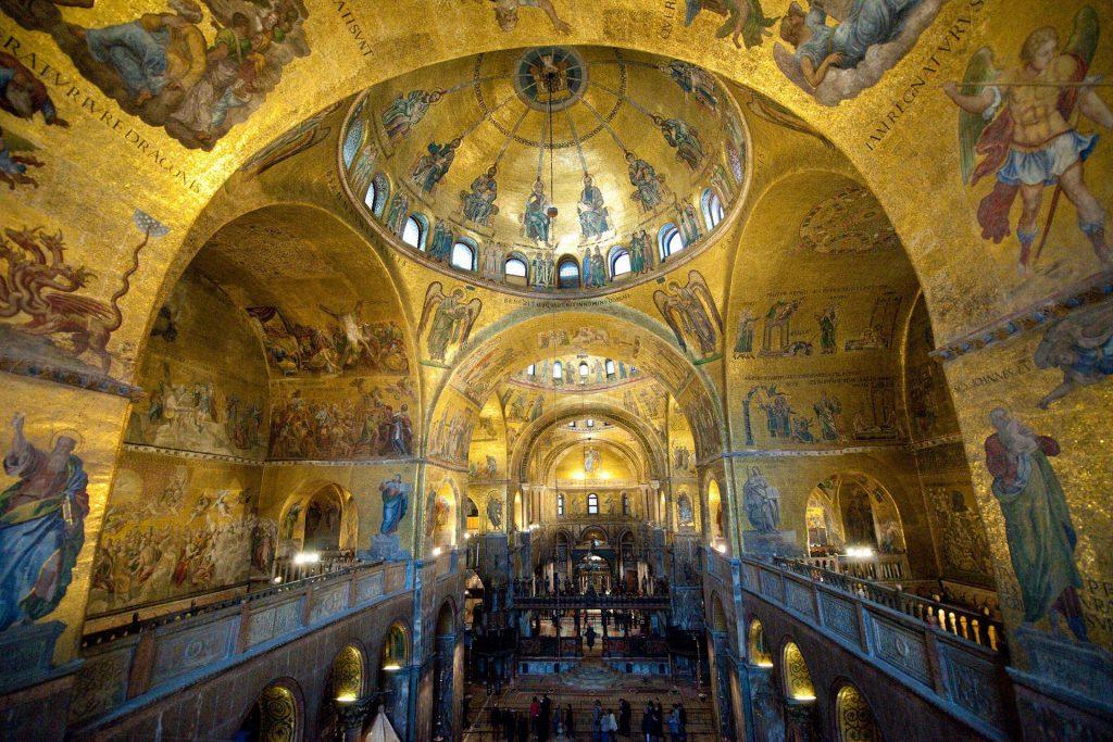 Inneres Markusdom in Venedig
