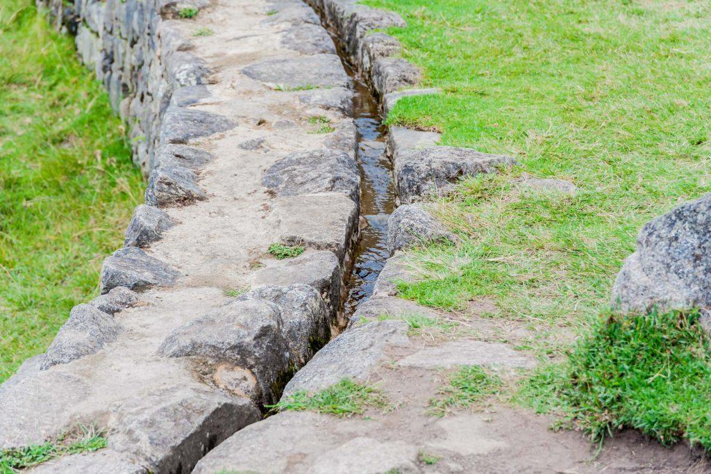 Wasserkanal der Inka