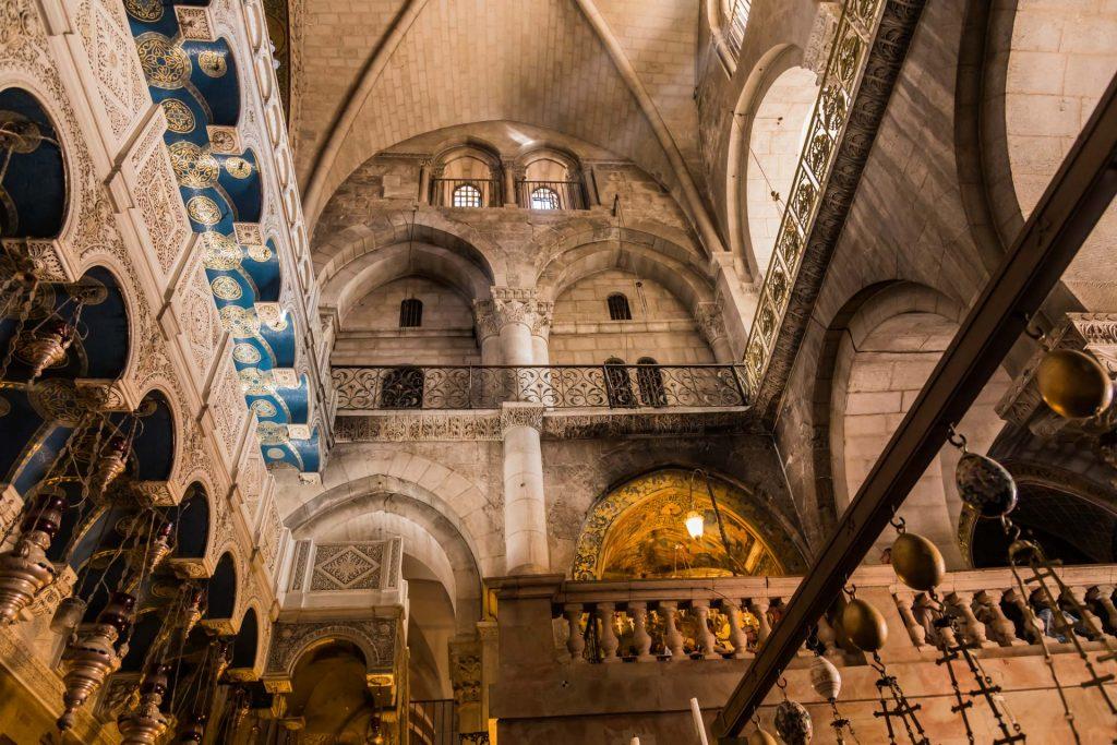 Grabeskirche mit Aufgang zum Golgothahügel