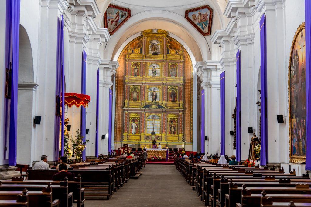 Inneres der Kirche San Francisco in Antigua