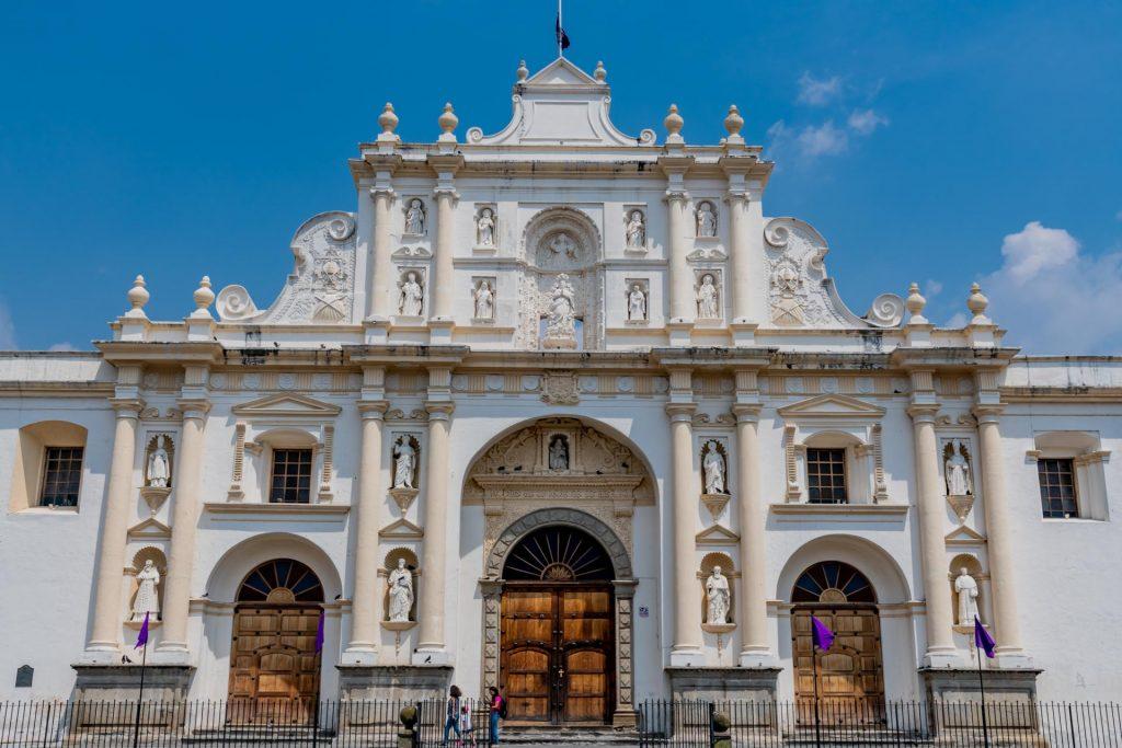 Neue Kathedrale in Antigua Guatemala