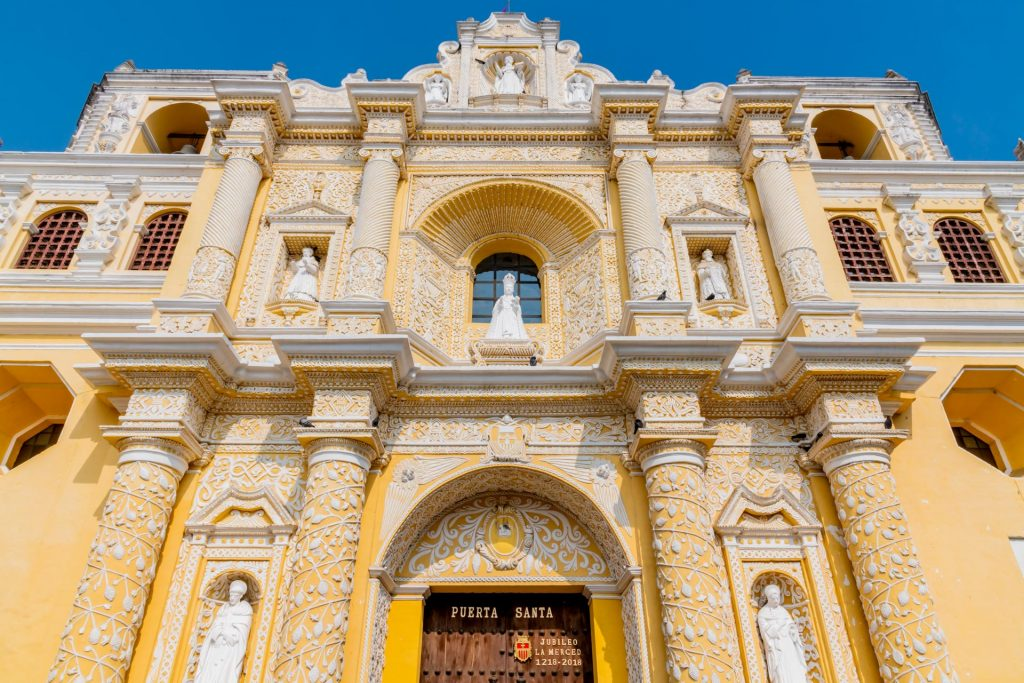 Fassade der Kirche La Merced in Antigua Guatemala