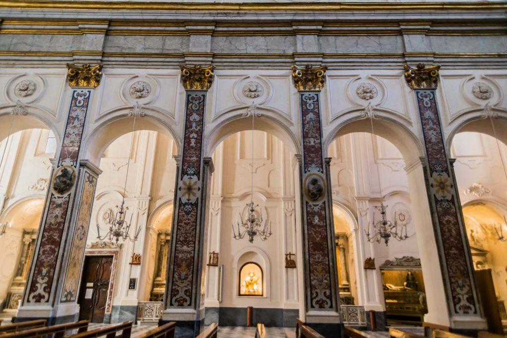 Mittelschiff im Dom zu Amalfi