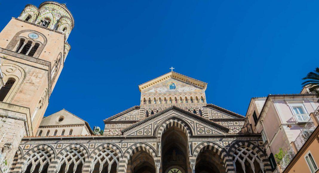 Der Domu zu Amalfi mit Freitreppe