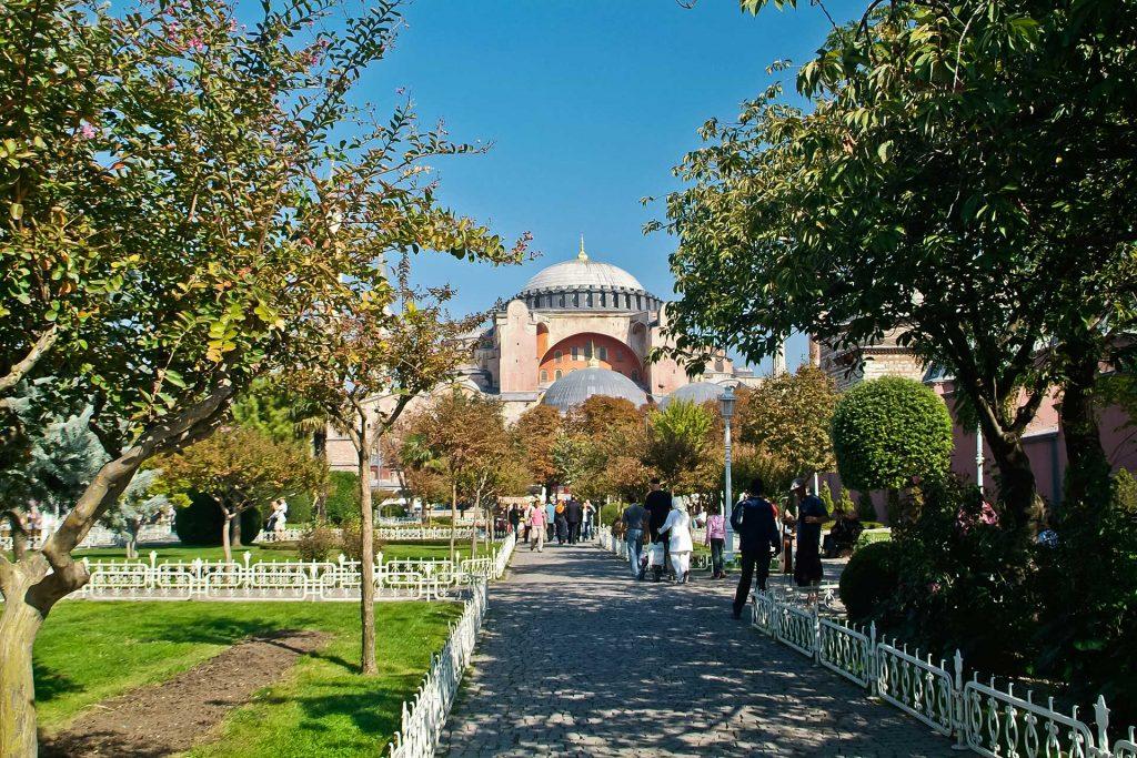 Vorplatz der Hagia Sophia in Istanbul