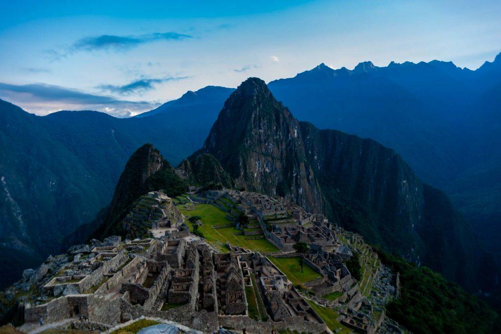 Erstes Tafeslicht in Machu Picchu