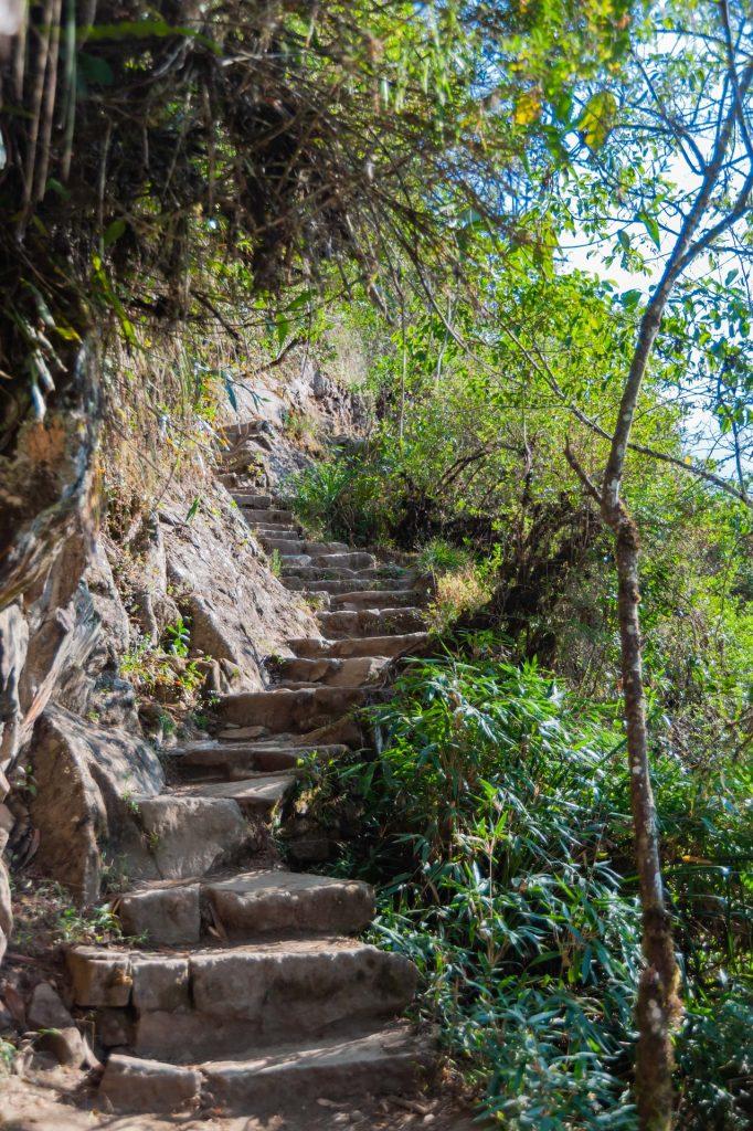 Beginn des Aufstiegs auf den Huayna Picchu