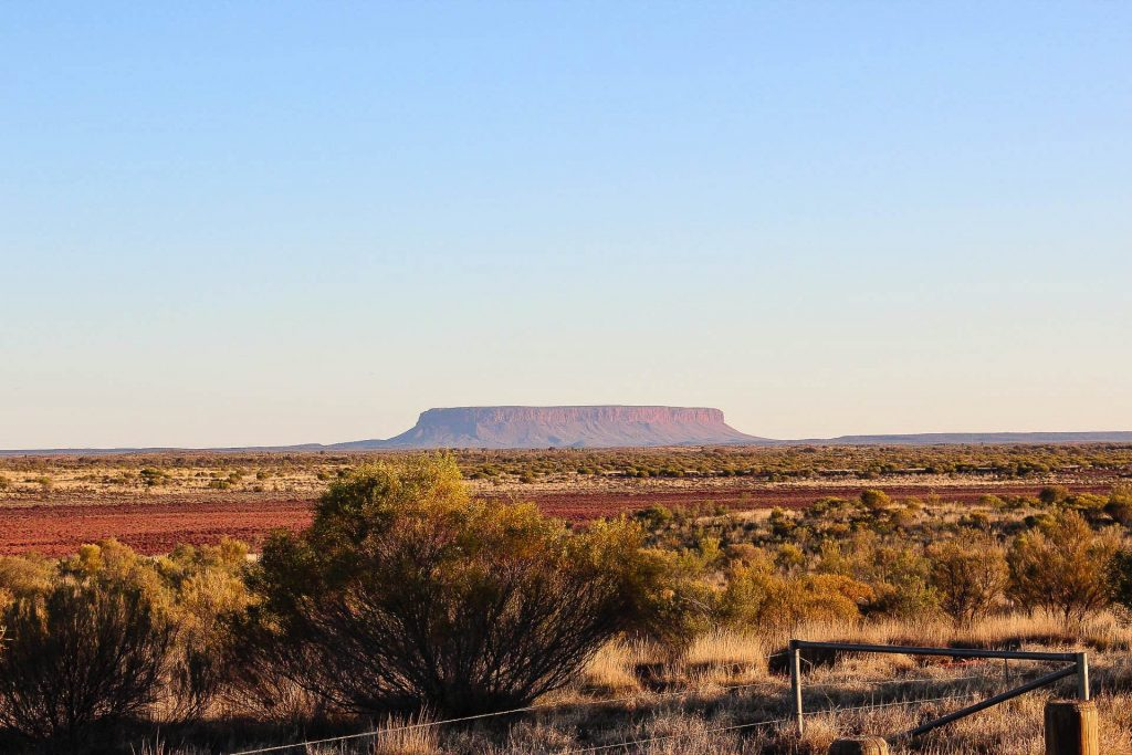 Ayers Rock in der Wildnis Australiens