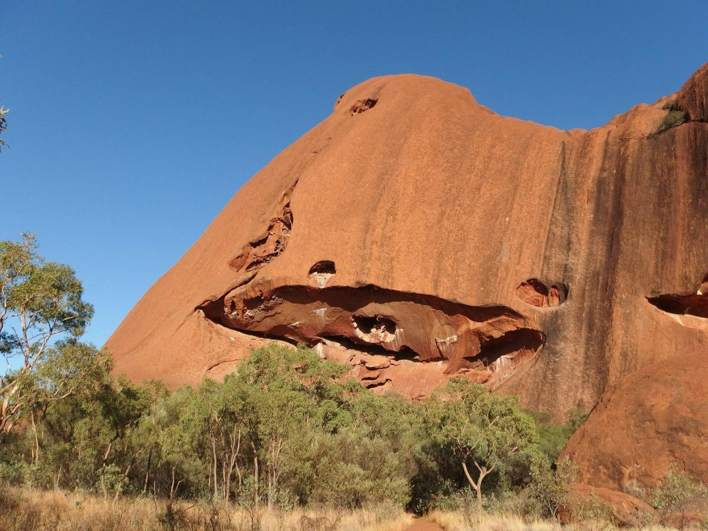 Felsspalte am Uluru in Australien