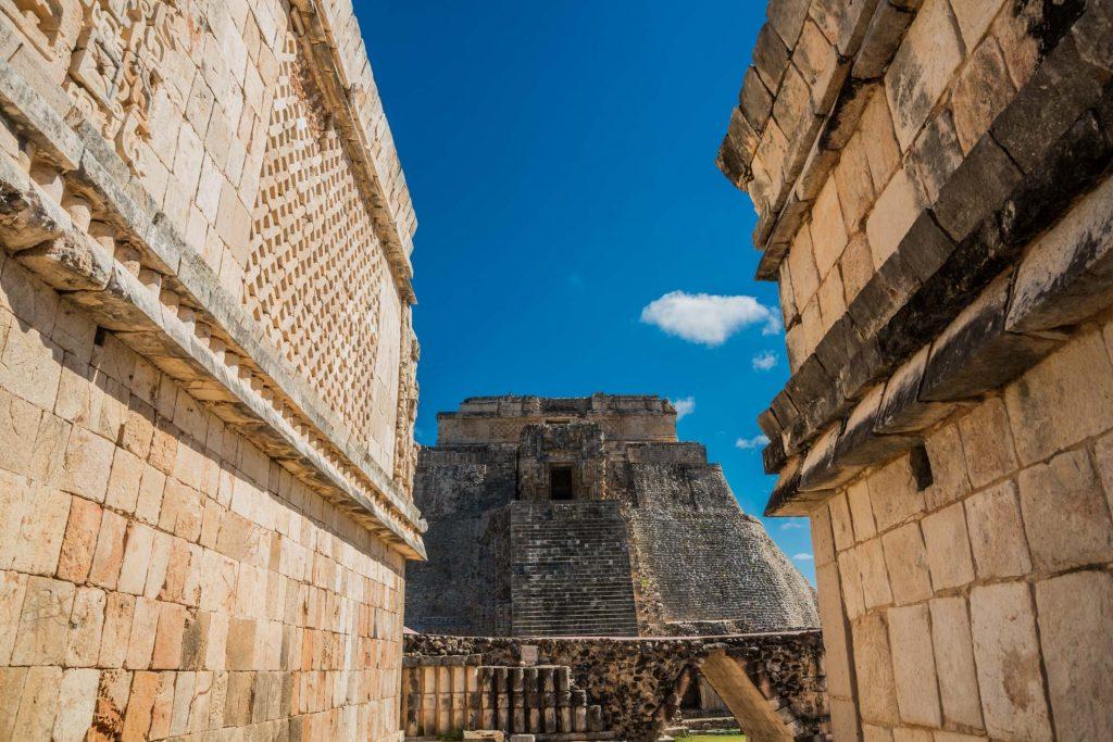 Blick auf die Adivino-Pyramide