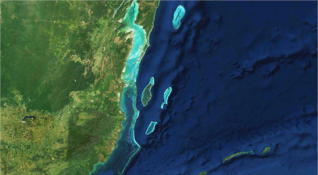 Satelitenbild des Belize Barrier Reef