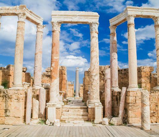 Bühnenhaus des Theaters von Lepcis Magna