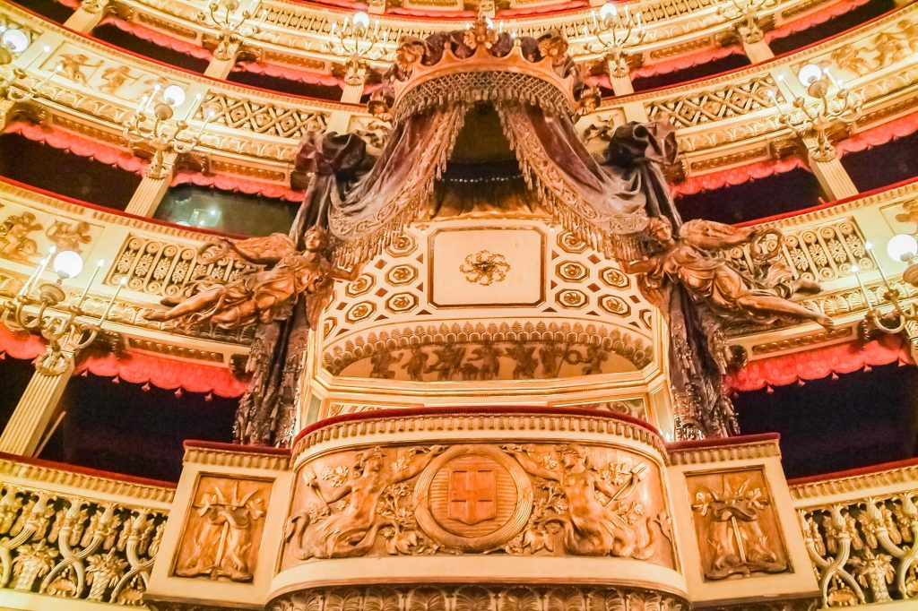 Königsloge im Teatro di San Carlo in Neapel