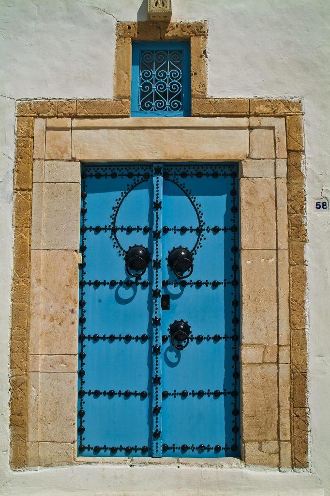 Tür in arabischem Stil