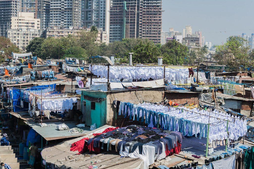 Wschen unter freiem Himmel in Mumbai/Indien