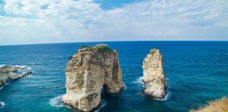 Raouché Rocks (Pigeon Rocks) in Beirut Libanon
