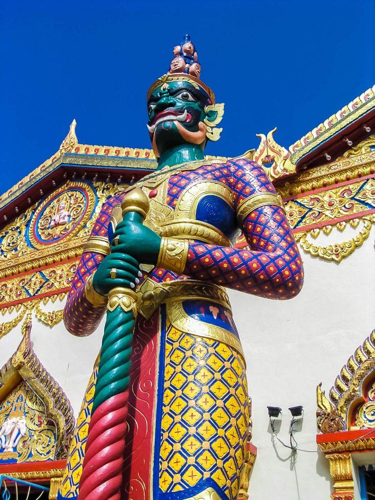 Wächterfigur-im-Chaiyamancalaran-auf-Penang